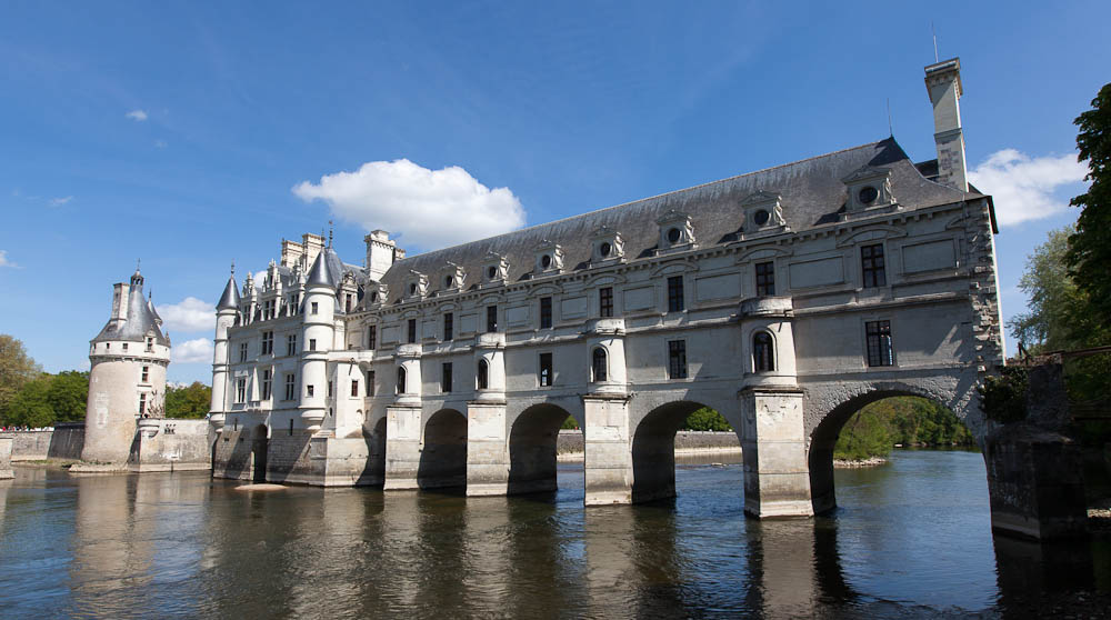 Chenonceau Chateau From The Riverbank